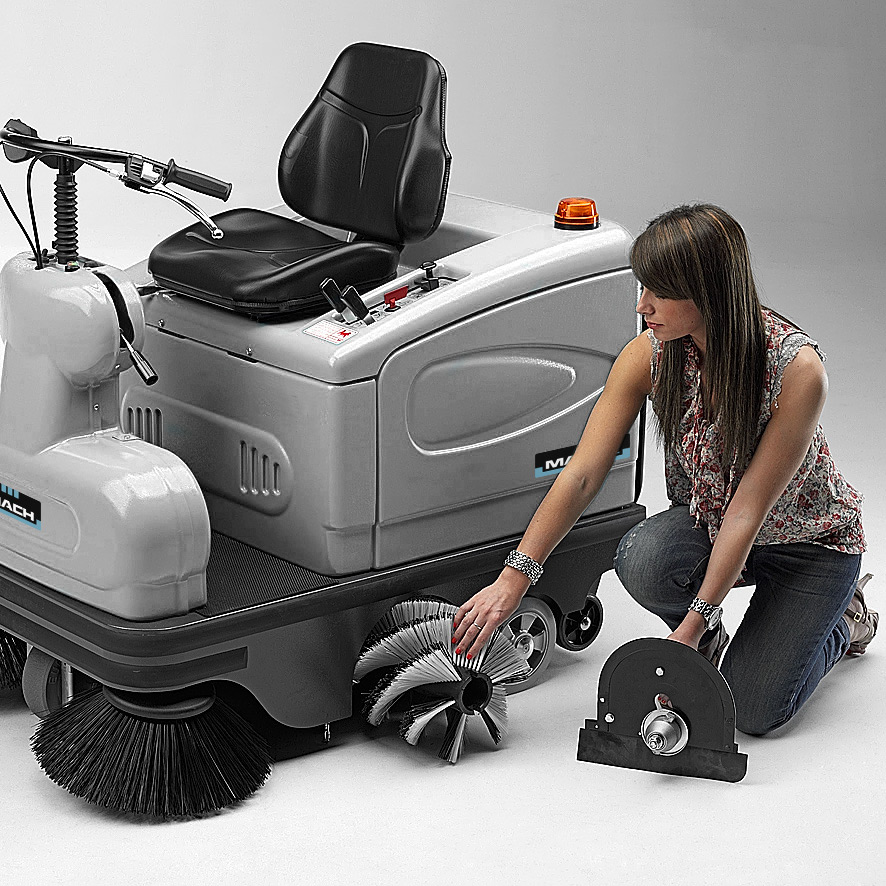 MACH 2 RIDE-ON SWEEPER EASY ACCESS MAIN BRUSH
