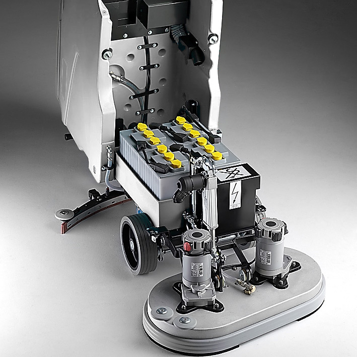 MACH M810 WALK BEHIND SCRUBBER WITH ROBUST STRUCTURE, SANDBLASTED AND ELECTRO COATED FOR ENHANCED RESISTANCE