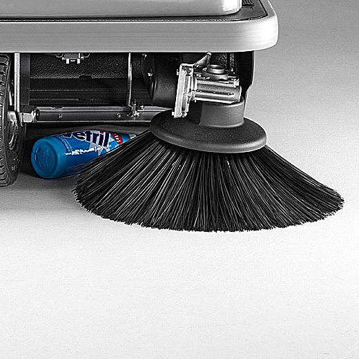MACH 3 PRO SWEEPER PICKS UP ALL DEBRIS