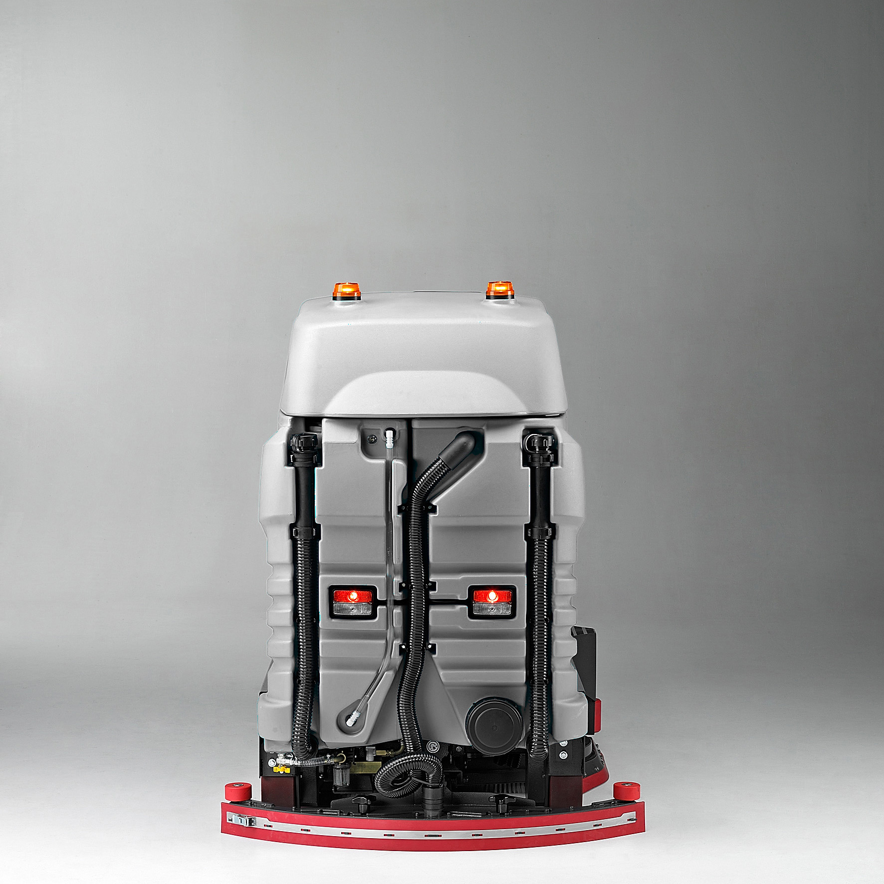EMPTY TANKS WITH EASY DRAIN HOSE M1100 R RIDE ON SCRUBBER DRYER MACH