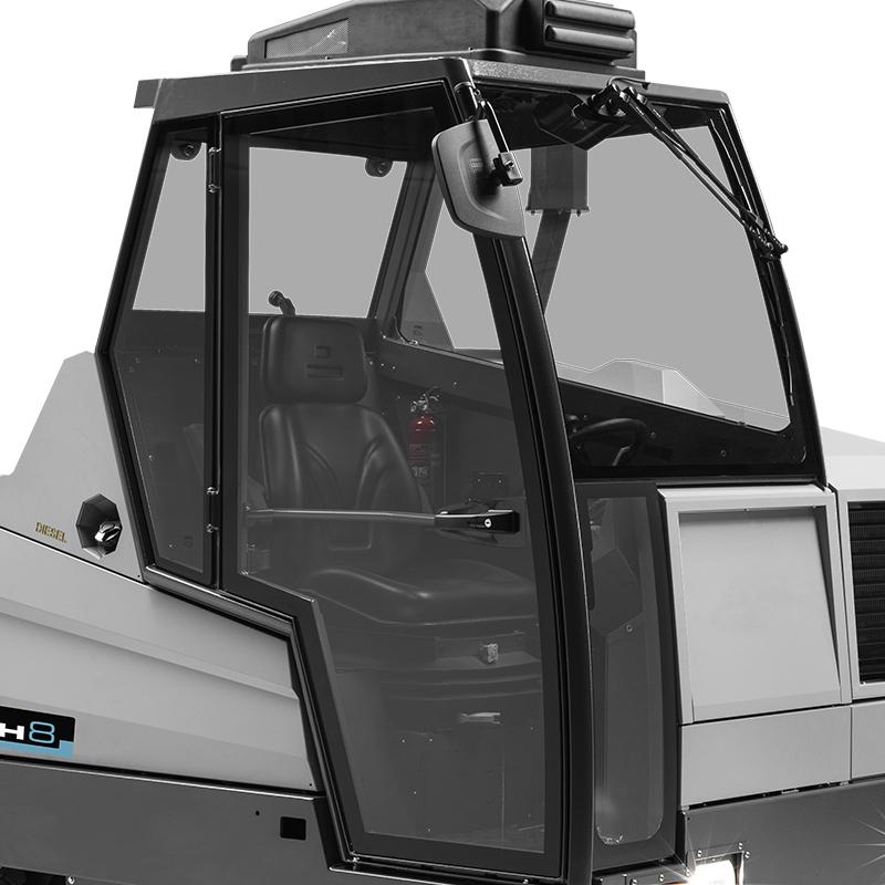MACH 8 | Driver's cabin
