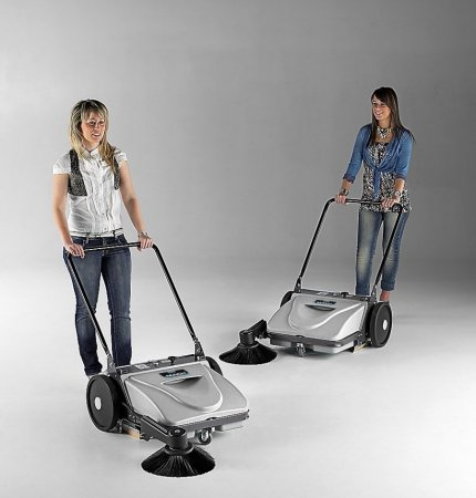 MACH ME MANUAL WALK-BEHIND SWEEPER SUITABLE FOR CLEAN SMALL TO MEDIUM AREAS