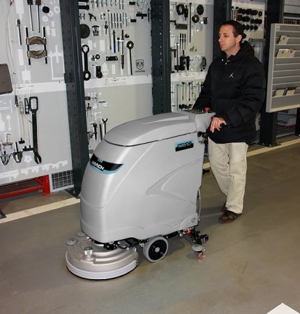 HIGH PERFORMANCE MACH 710 WALK BEHIND SCRUBBER